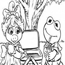 Kermit and Ms Piggy Picnic Coloring Page
