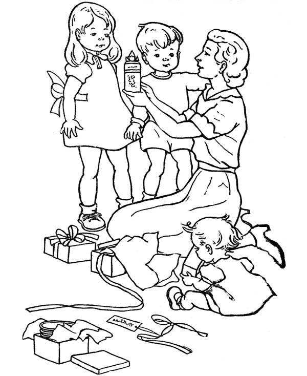 Wrapping Present for Gran Parents Day Coloring Page
