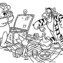 Winnie the Pooh and Friends Family Picnic Coloring Pages